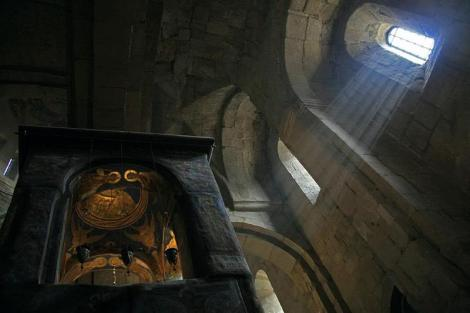 Biserica cerdului Sf Nina 3 cedrul Sfintei