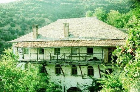 9. Casa cu chilia Sf Siluan Athonitul