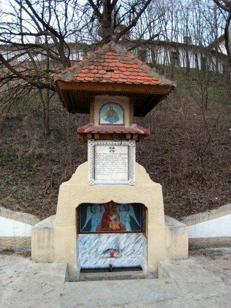 1. Manastirea Glavacioc 3 izvorul
