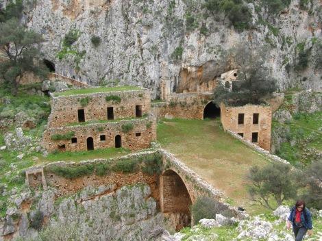 2. Sf Cuv Ioan pustnicul și cei 98 de pustnici împreună cu dânsul din Creta, Grecia 9