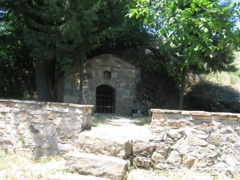 Sf. Cuv Prohor, staretul din pustia Vranski de pe raul Pşina, Bulgaria 5 pestera
