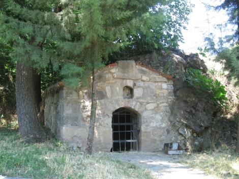 Sf. Cuv Prohor, staretul din pustia Vranski de pe raul Pşina, Bulgaria 6 pestera
