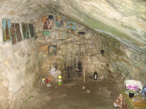 Sf. Cuv Prohor, staretul din pustia Vranski de pe raul Pşina, Bulgaria 9 pestera