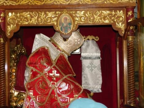Sf Ier Atanasie al III-lea Patelarie, patriarhul Constantinopolului 3 sf moaste
